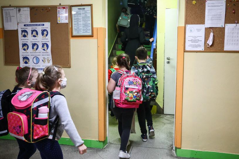 Dzieci w szkole /Beata Zawrzel/REPORTER /East News