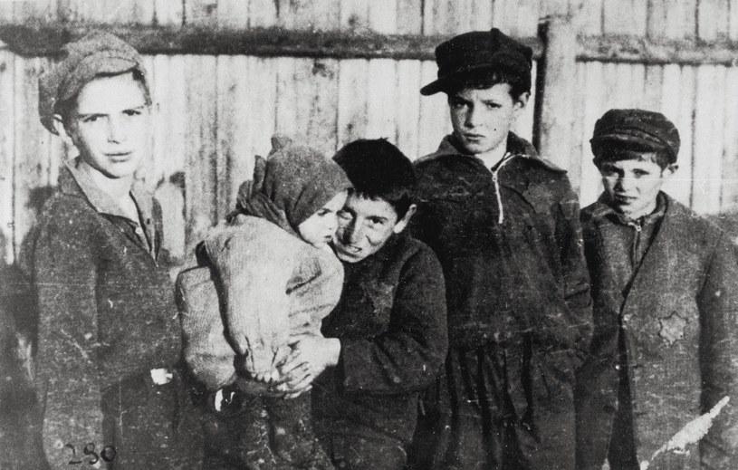 Dzieci w warszawskim getcie, 1940 r. / Imagno /Getty Images