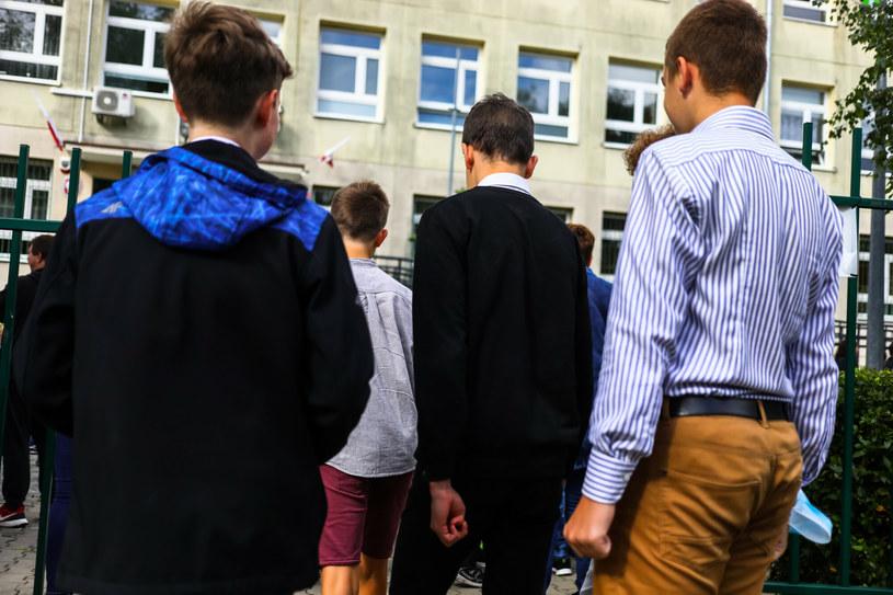 Dzieci wróciły do szkół. Nauczyciele mówią o swoich wrażeniach po pierwszych dniach pracy /Adam Burakowski/REPORTER /East News