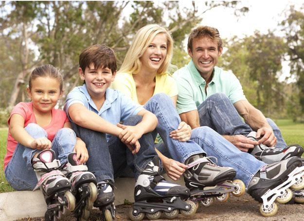 Dzieci wychowane w rodzinie wielodzietnej potrafią dzielić się z innymi, łatwo nawiązują kontakty /© Panthermedia