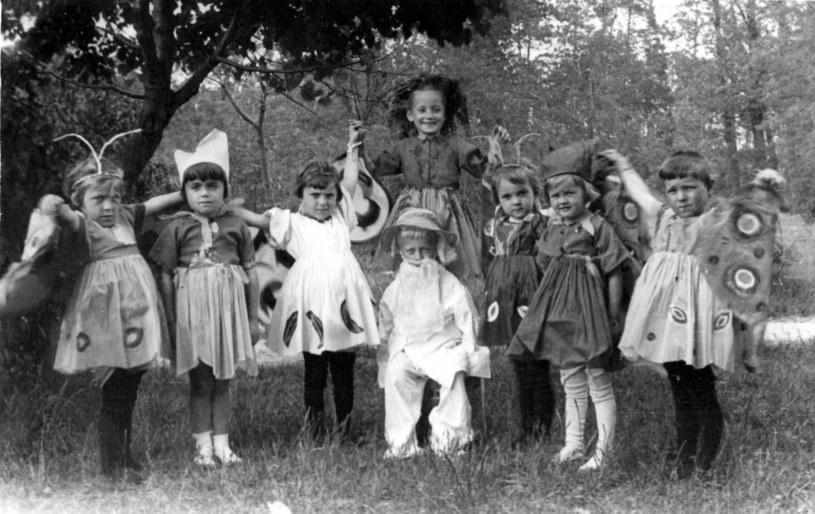 Dzieci wyprowadzone z warszawskiego getta przez Irenę Sendlerową /World History Archive /East News