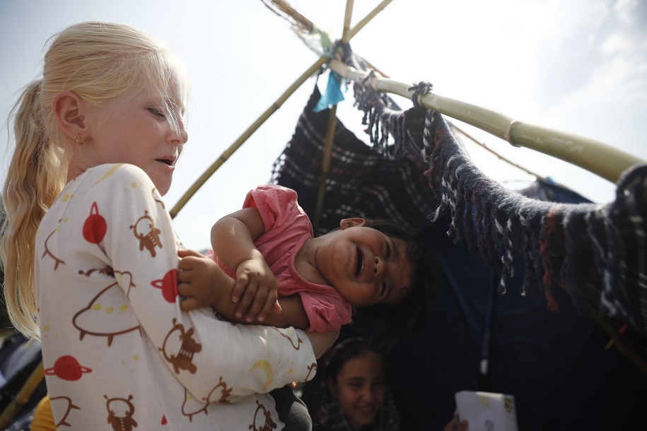 Dzieci z obozu Moria /DIMITRIS TOSIDIS /PAP/EPA