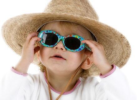Dzieci - zarówno te maleńkie, jak i nieco starsze - mają w sobie naturalną potrzebę zabawy /© Panthermedia