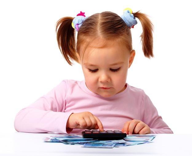 Dzieciom najbardziej potrzebna jest wiedza o racjonalnym wydawaniu pieniędzy /© Panthermedia