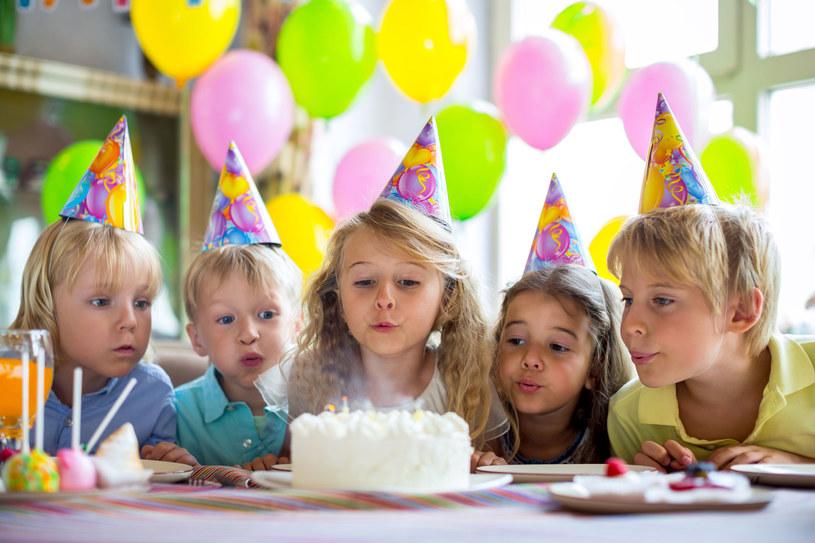 Dziecko doskonale pamięta swoje przyjęcia urodzinowe /123RF/PICSEL