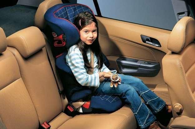 Dziecko może podróżować wyłącznie w foteliku /