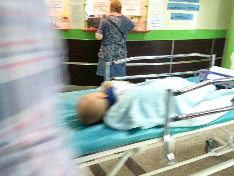 Dziecko na oddziale pediatrycznym, zdjęcie ilustracyjne /Piotr Kamionka/ REPORTER /Reporter