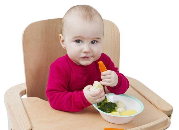 Dziecko nie zawsze akceptuje kulinarne nowości /© Panthermedia