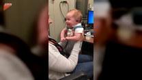 Dziecko usłyszało po raz pierwszy w życiu. Wzruszające