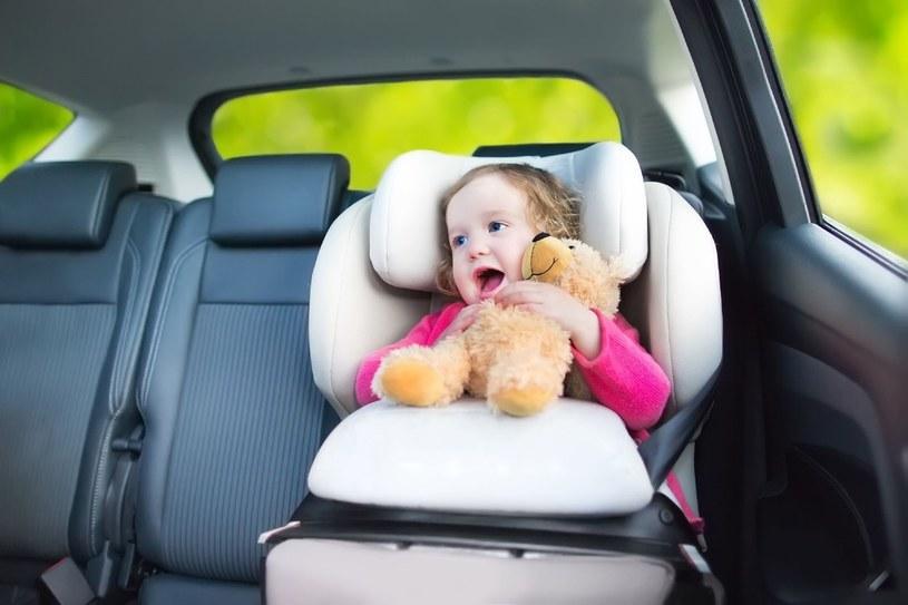 Dziecko w podróży nie musi się nudzić /123RF/PICSEL
