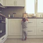 Dziecko zostaje samo w domu