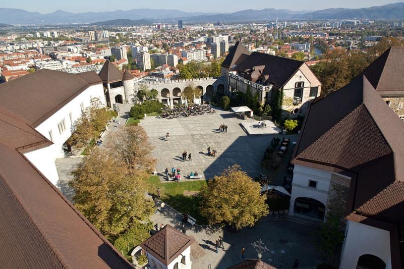 Dziedziniec zamku w Lublanie z lotu ptaka /123RF/PICSEL