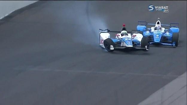Dzięki Bogu obaj kierowcy cali. Dzięki wprost kosmicznej technologii budowy kadłuba wyścigowego bolidu