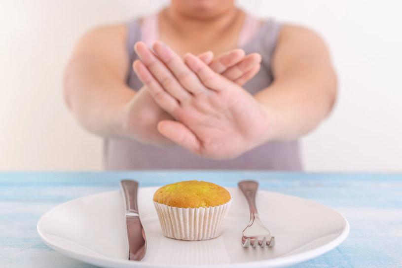 Dzięki diecie IF unikamy niezdrowego jedzenia /123RF/PICSEL