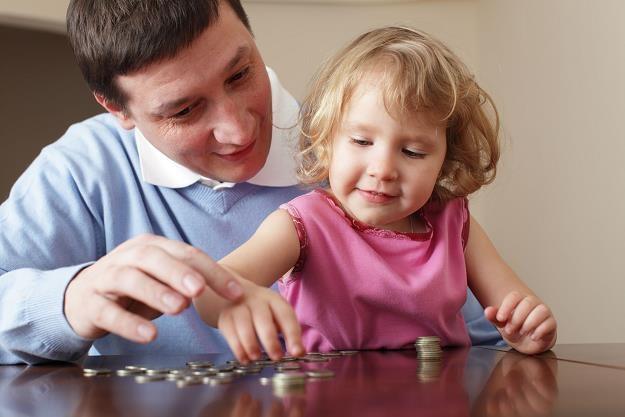 Dzięki dodatkom na dzieci rocznie w gospodarkę będzie pompowane prawie 22 mld zł /©123RF/PICSEL