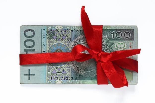 Dzięki jakim darowiznom można zaoszczędzić na podatku? /©123RF/PICSEL
