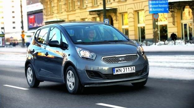 Dzięki niedużym wymiarom, Venga świetnie radzi sobie w ruchu miejskim. /Motor