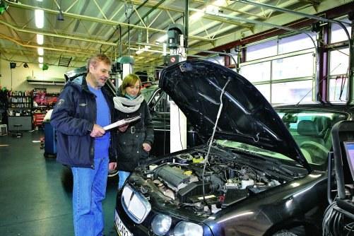 Dzięki odpowiedniej wiedzy mechanika, naprawa może być znacznie tańsza /Motor