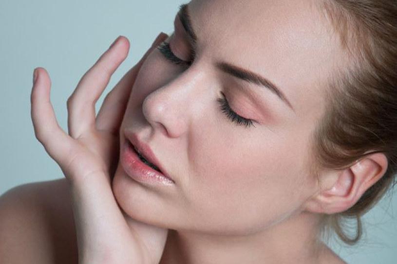 Dzięki odpowiednim kosmetykom skóra alergiczna jest odżywiona, wzmocniona, co poprawia jej wygląd oraz pomaga uniknąć podrażnień /123RF/PICSEL