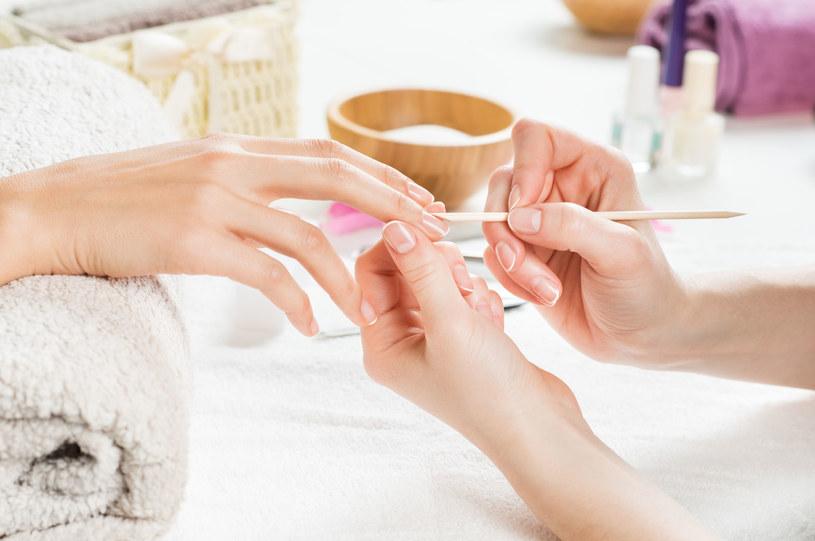 Dzięki temu manicure będzie trwały /123RF/PICSEL
