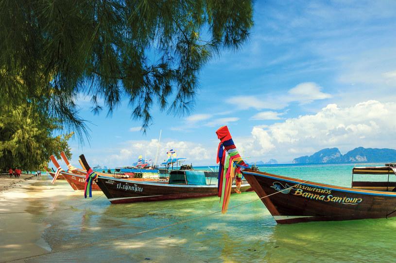 Dzięki wapiennemu podłożu piasek plaż na Morzu Andamańskim jest biały, a woda niewiarygodnie turkusowa/ fot. Grażyna Saniuk /Twój Styl