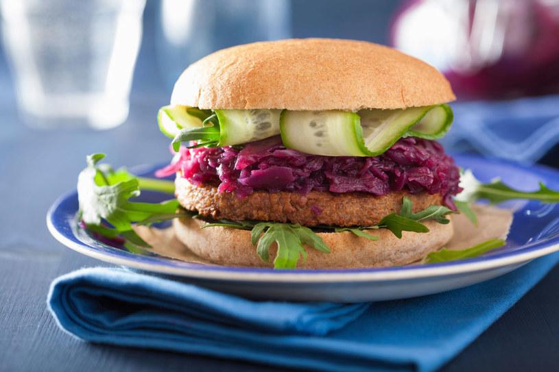 Dzięki wykluczeniu mięsa z diety przyjemniej pachniemy i jesteśmy atrakcyjniejsi /123RF/PICSEL