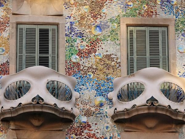 Dzieła Gaudiego można napotkać na każdym kroku  /© Panthermedia