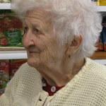 Dzień Babci: Pani Klara ma prawie 94 lata i wciąż pracuje!
