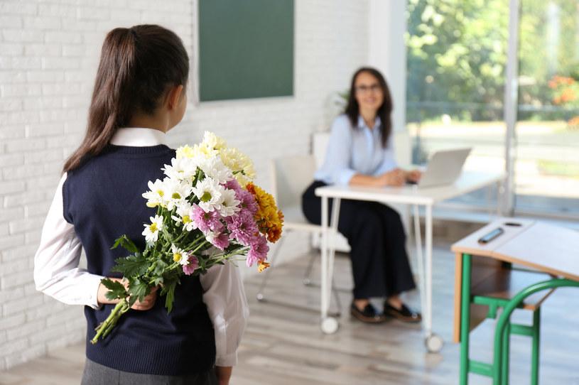 Dzień Nauczyciela. Kiedy wypada? Co na prezent? /123RF/PICSEL