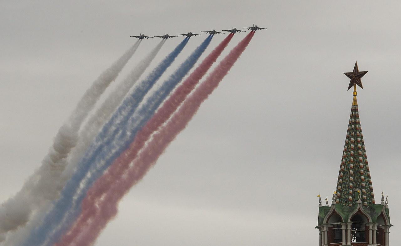 Dzień Zwycięstwa w Rosji. Defilady nie było, jedynie pokaz lotniczy