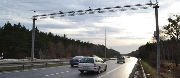 """""""Dziennik Gazeta Prawna"""": System viaTOLL stał się kolejnym narzędziem inwigilacji"""