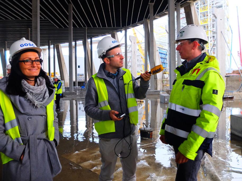 Dziennikarz RMF FM na terenie rozbudowy Elektrowni Opole /Mat. prasowe /RMF FM