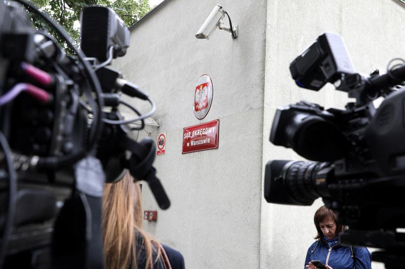 Dziennikarze czekają na wyrok sądu w spraiwe Kajetana P. /Piotr Molecki /East News