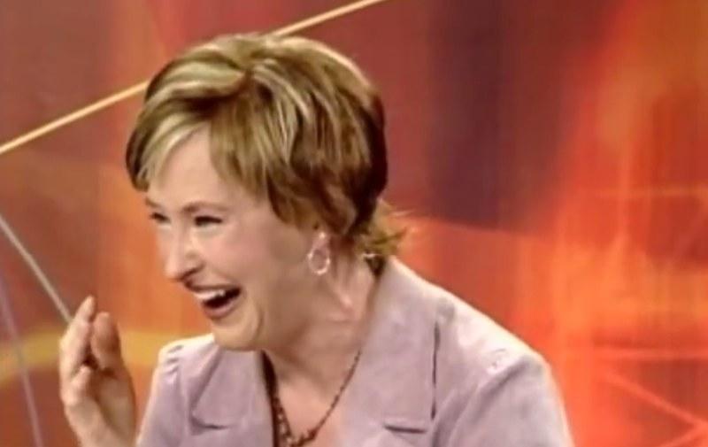 Dziennikarzom czasem ciężko było powstrzymać się od śmiechu /TheDailyBuzz /YouTube