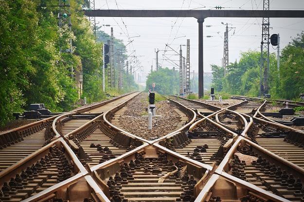 Dziesiątki miliardów rzucone na tory. Kiedy pojedziemy szybciej? /©123RF/PICSEL
