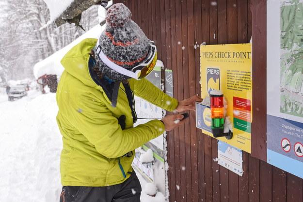 """Dziesiątki turystów utknęły w schroniskach w Tatrach. """"Mamy zapas żywności. Jest nam ciepło"""""""