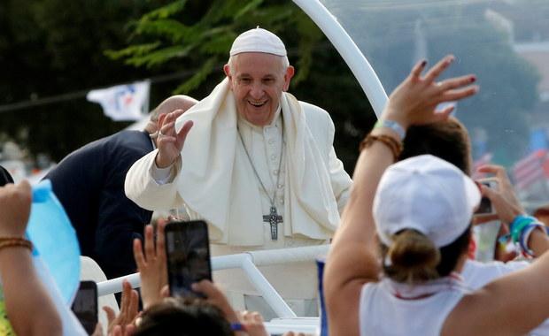 Dziesiątki tysięcy osób na otwarciu Światowych Dni Młodzieży z papieżem