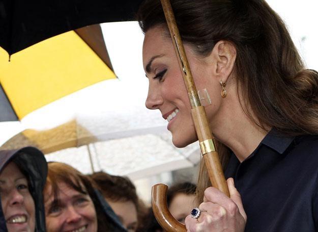 Dziesięć kilogramów szczuplejsza, z uśmiechem, na który wydała 15 tysięcy funtów /Getty Images/Flash Press Media