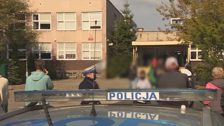 Dziewczyna raniła trzy osoby, w tym swoją przyjaciółkę /Polsat News