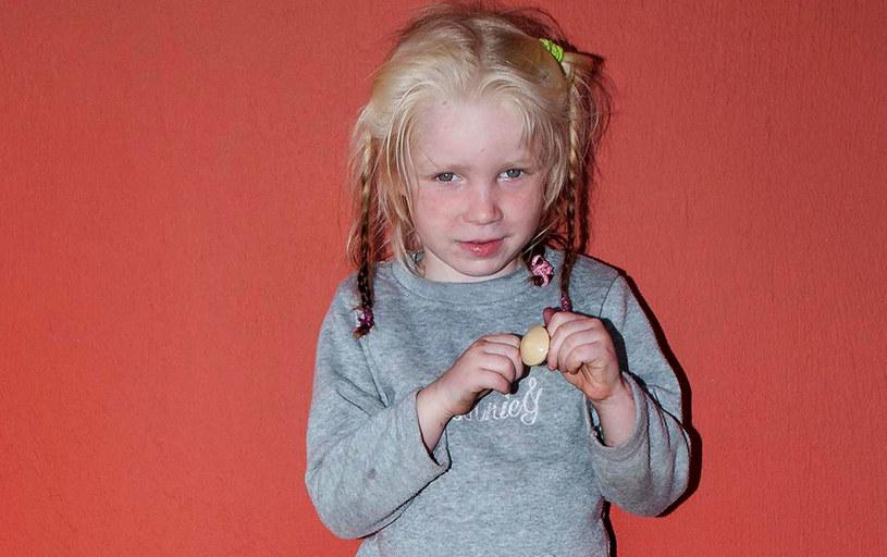 Dziewczynka znaleziona w obozowisku Romów w środkowej Grecji /AFP