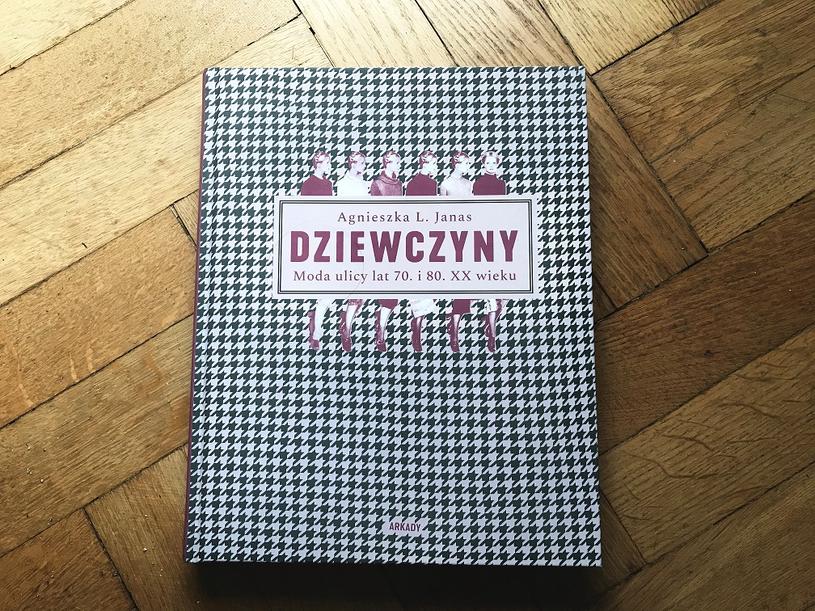 Dziewczyny. Moda ulicy lat 70. i 80. XX wieku /Styl.pl/materiały prasowe