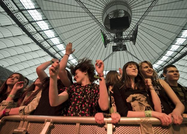 Dziewczyny się bawiły, a mieszkańcy nie mogli spać! (fot. Piotr Tracz) /Reporter