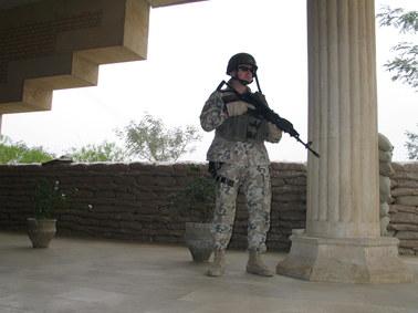 """Dżihadyści plądrują Irak. UNESCO: """"To zbrodnia wojenna"""""""
