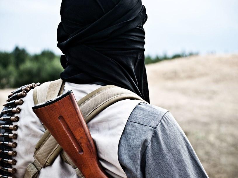 Dżihadyści z łatwością zbroją się w Europie /123RF/PICSEL
