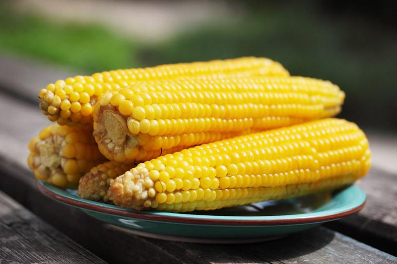 Dziś kukurydzę jada się głównie w postaci płatków i mąki kukurydzianej /123RF/PICSEL