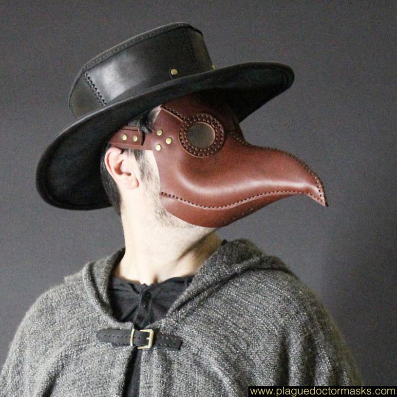 Dziś maski stanowią element fascynacji jedną z największych epidemii w historii dziejów /www.plaguedoctormasks.com /materiały prasowe