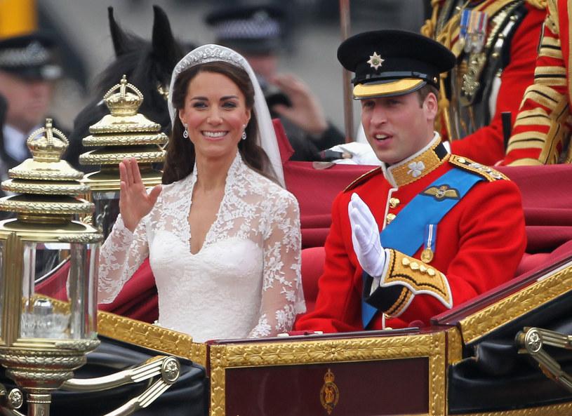 Dziś monarsze śluby również cieszą się ogromnym zainteresowaniem /Getty Images