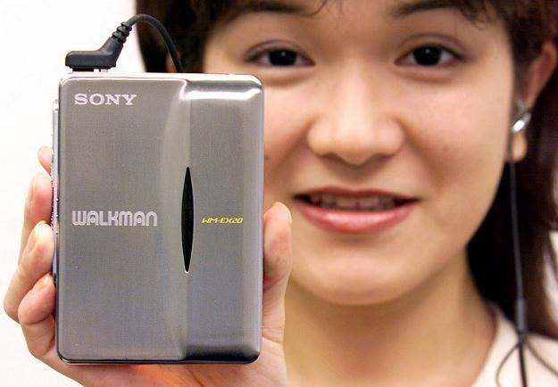Dziś nadal wszyscy patrzą na Sony; niestety tym razem jest to wzrok politowania i żalu /AFP