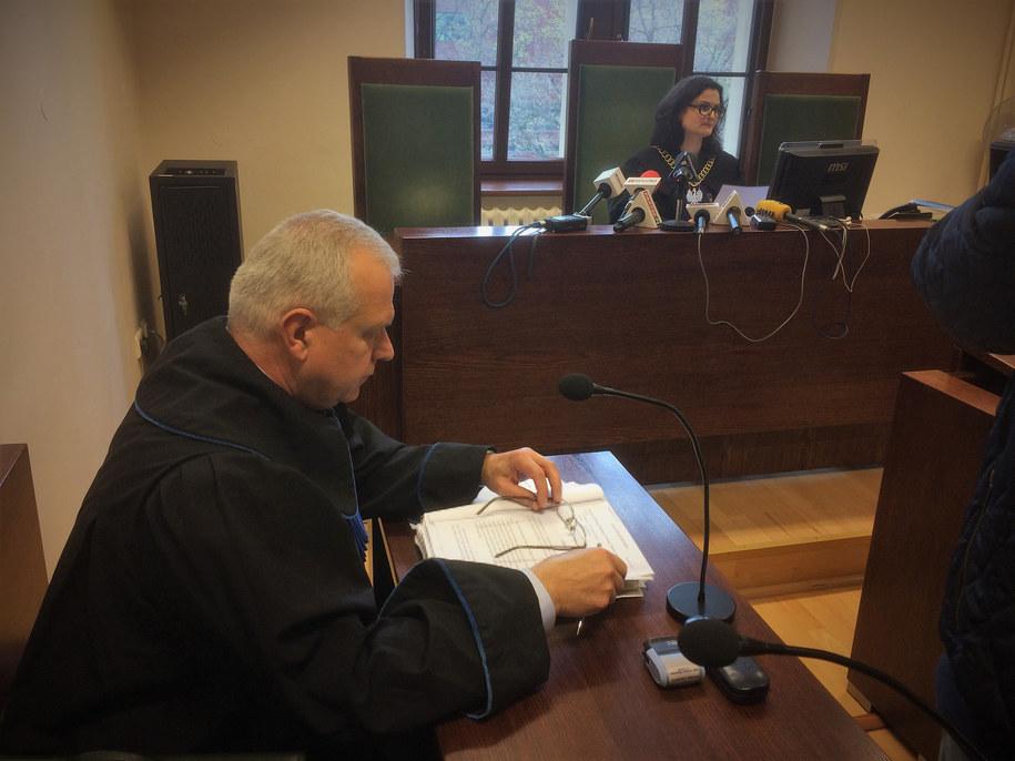 Dziś przed sądem we Wrocławiu podpisano ugodę z pełnomocnikiem miasta. Na jej mocy rodzice chłopca dostaną po 100 tysięcy złotych, jego siostra - 40 tysięcy. /Bartłomiej Paulus /RMF FM