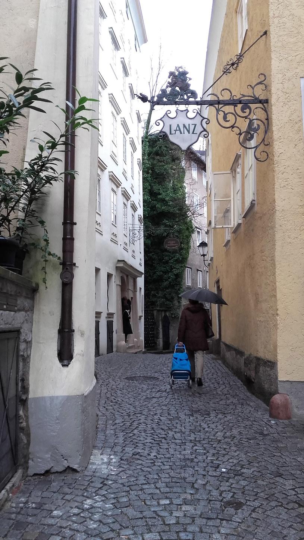 Dziś Steingasse jest spokojną uliczką z dala od turystycznego zgiełku /Styl.pl